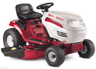 2004 White Outdoor Lt 2200 Lawn Mowers